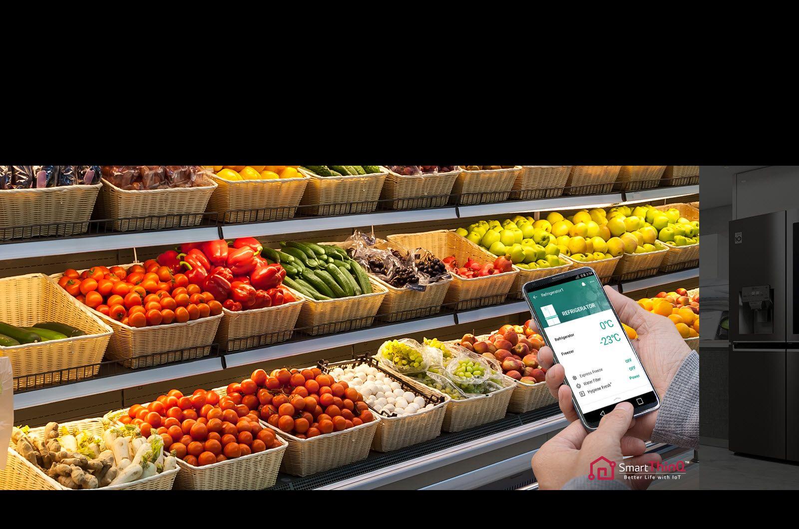 هوش مصنوعی SmartThinQ در یخچال x334 ال جی با استفاده هوش مصنوعی SmartThinQ شما قادر خواهید بود تا یخچال خود را هنگامی که می خواهید خرید کنید، از راه دور مدیریت کنید و از محتویات آن جهت خرید مایحتاج اطلاع پیدا کنید. اگر شما از محتویات یخچال مطلع شوید، دیگر خوراکی اضافی و غیر ضروری نخواهید خرید. همچنین شرکت ال جی در محصولات خود از سیستم عیب یابی هوشمند استفاده می کند که در نتیجه آن، محصولات می توانند حرف بزنند و مشکلاتشان را شخصا مطرح کنند. که برای این کار بایستی برنامه مربوطه را روی گوشی هوشمند خود نصب کنید. به لطف وجود «سیستم عیب یابی هوشمند» نه تنها در هزینهها، بلکه در وقت شما نیز صرفهجویی میشود. با SmartThinQ می توانید با استفاده از گوشی و بدون نیاز به پشتیبانی فنی، مشکلات یخچال خود را رفع کنید. تشخیص هوشمند یک قابلیت ساده است که به لوازم خانگی شما امکان می دهد به شما (و ال جی) بگویند که چه مشکلی پیش آمده و چگونه آن را تعمیر کنید. ال جی با این تکنولوژی توانسته تجربه نامطلوبی که کاربران با مشکلات لوازم خانگی داشتند را تا حد ممکن رفع نماید به همین دلیل به سیستم تشخیص عیب یابی هوشمند روی آورده است. با خرید یخچال ساید بای ساید X334 ال جی وسایلی هوشمند در منزل خود داشته باشید و همیشه با آنها در ارتباط باشید!